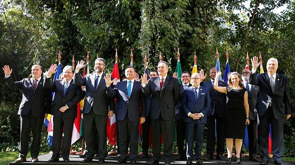 Nemzetközi összefogással buktatná meg Maduro elnököt a limai csoport