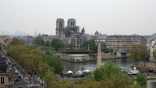 در کشور لائیک فرانسه بودجۀ بازسازی کلیسای نوتردام چگونه تامین میشود؟