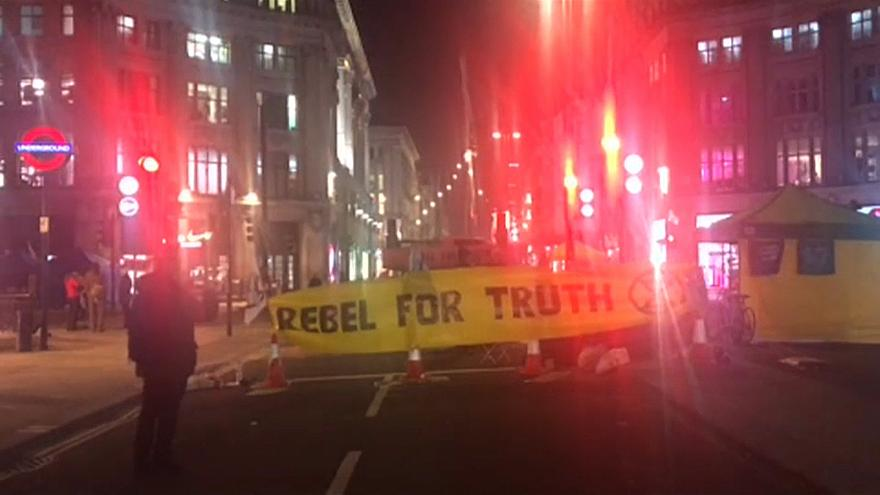 Más de un centenar de detenidos en una protesta ecologista en Londres