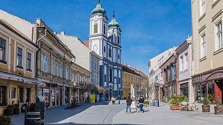 Székesfehérvár is tízezer eurót ajánl föl az újjáépítésre