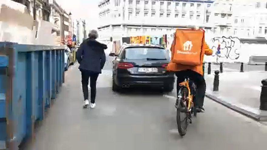 Водителей Uber уравняют в правах с таксистами