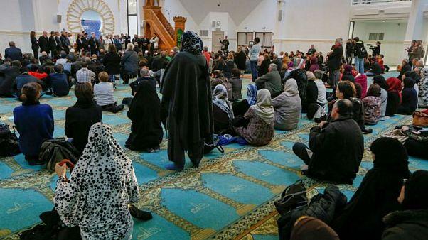 Fransa'daki Müslümanlardan Notre-Dame dayanışması: Kilise için yardım çağrısı