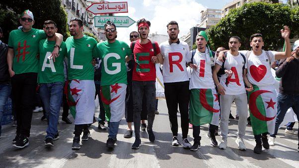 Cezayir'de Anayasa Konseyi Başkanı Bilayz istifa etti