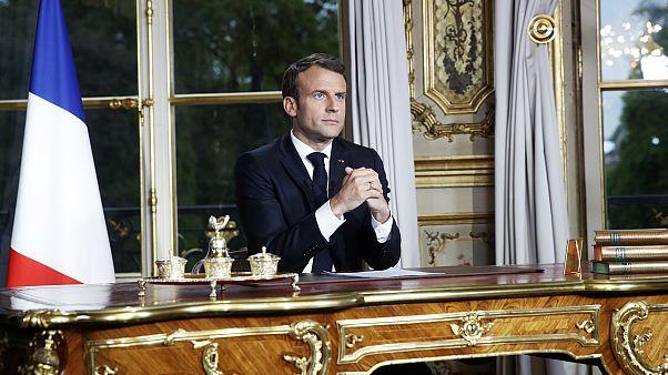 Macron: Beş yılda Notre Dame'ı daha güzel şekilde yeniden inşa edeceğiz