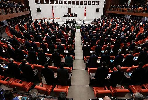 Birinci yargı paketi MHP'ye sunuldu