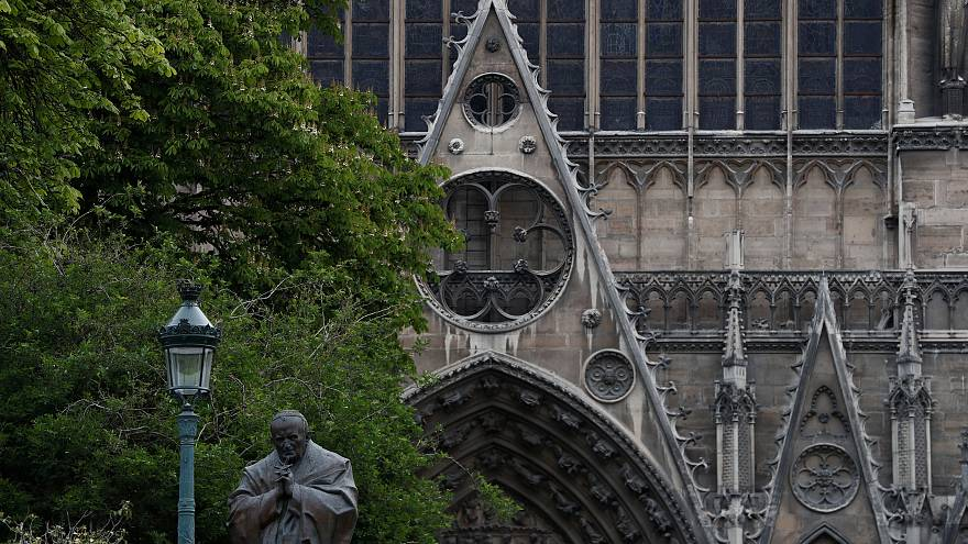 پاپ فرانسیس از آتشنشانان نوتردام قدردانی کرد
