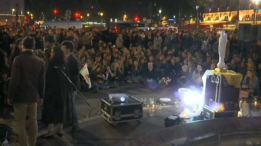 شاهد: مئات الباريسيين الكاثوليك في مسيرة حاشدة تكريما لكاتدرائية نوتردام
