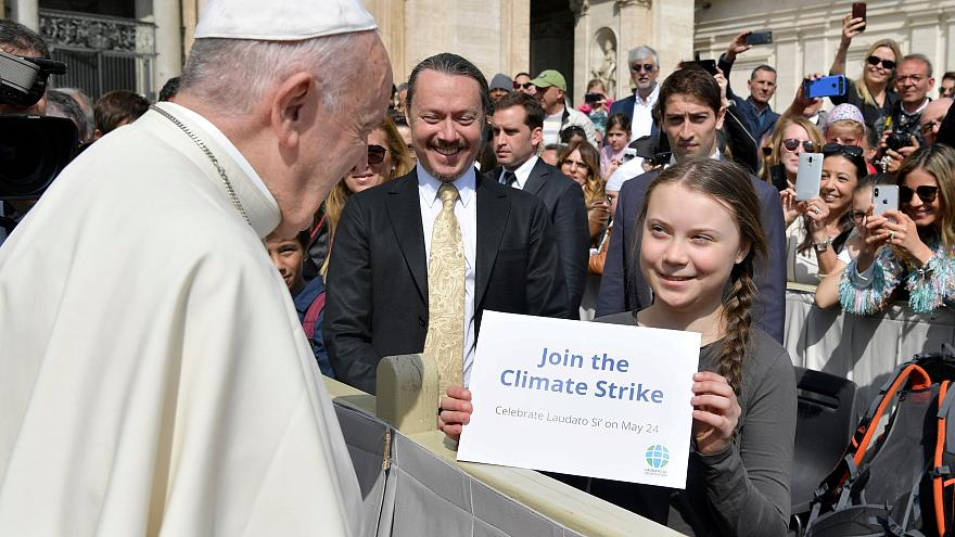 Uma ativista muito determinada conversa com o Papa
