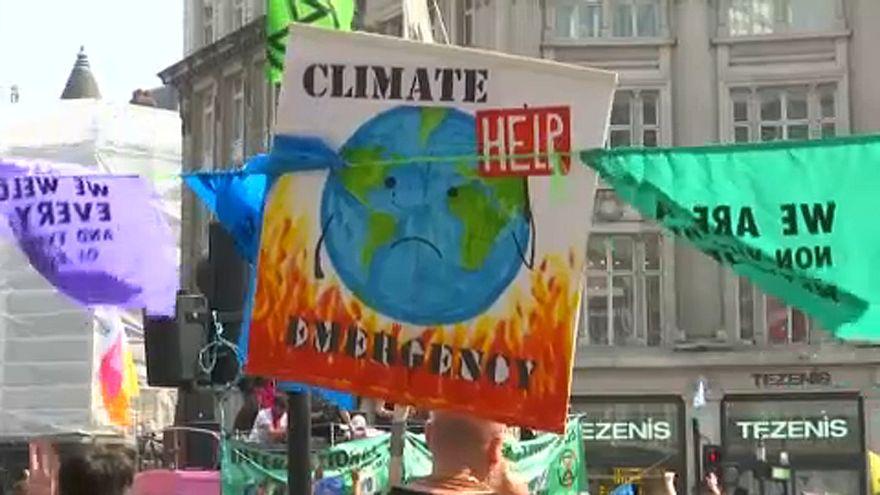 Más de cien detenidos en la marcha por el clima en Londres