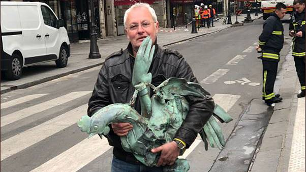 Csodával határos módon megtalálták a Notre Dame elpusztult tornyának szélkakasát