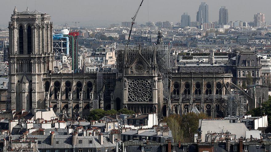 VIDEO - Il drone in volo sopra Notre-Dame mostra i danni dopo l'incendio