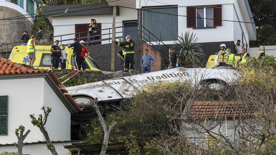 واژگونی اتوبوس حامل گردشگران در پرتغال دستکم ۲۹ کشته بر جای گذاشت