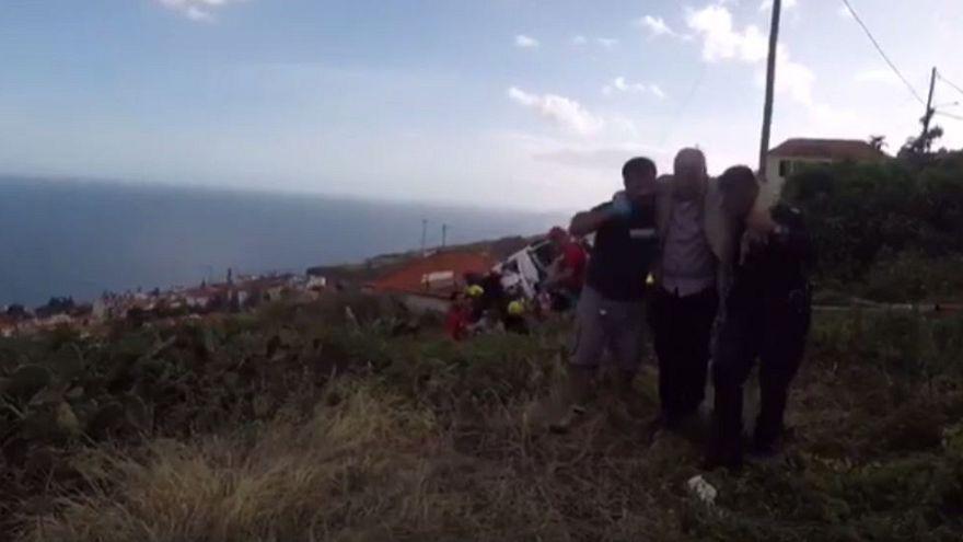 Portogallo: si ribalta bus a Madeira, almeno 28 morti