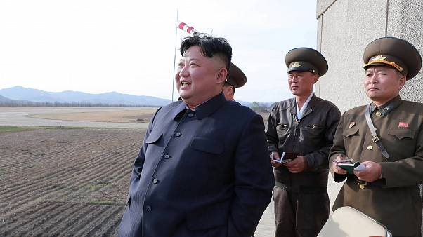 """Észak-Korea új típusú """"taktikai"""" fegyvert tesztelt"""