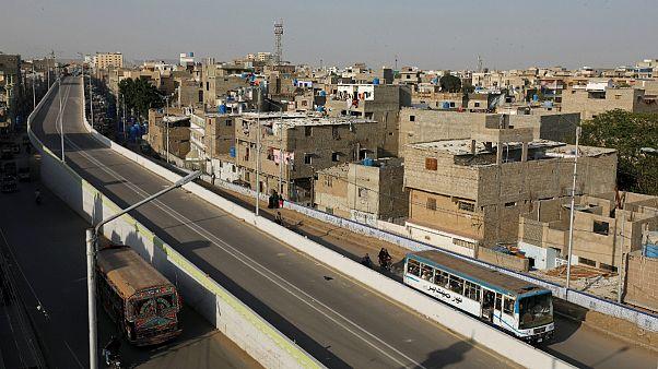۱۴ مسافر اتوبوس در بلوچستان پاکستان بعد از ارائه کارت شناسایی کشته شدند