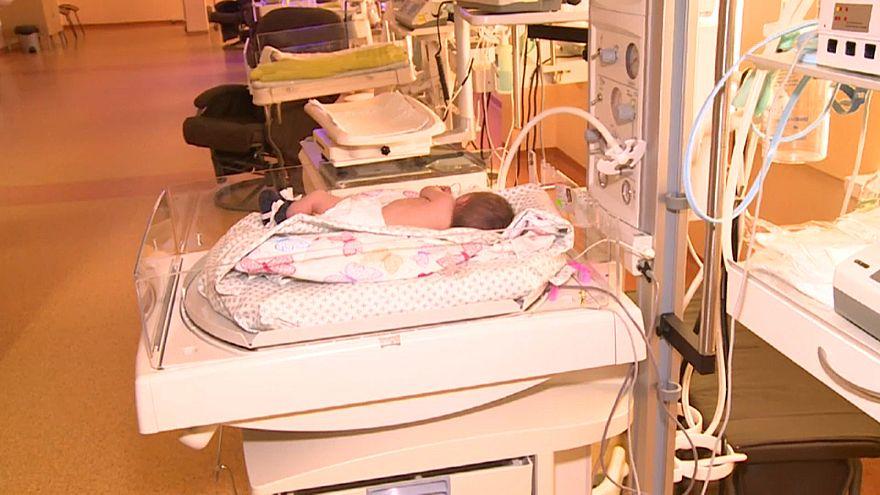 پلیس لیتوانی مادر نوزاد مست را بازداشت کرد