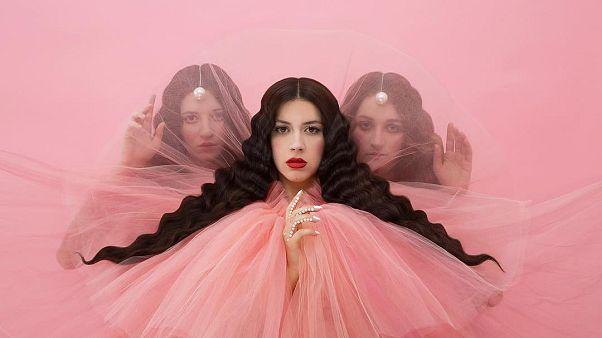 Ο Roger Waters καλεί την Κατερίνα Ντούσκα να μην συμμετάσχει στην Eurovision