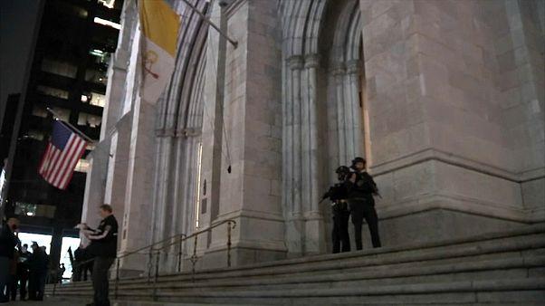 نیویورک؛ بازداشت مردی که احتمالا قصد آتش زدن کلیسای سنت پاتریک را داشت