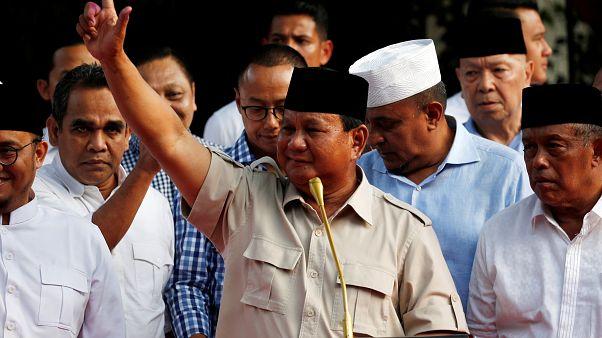 Prabowo Subianto, candidat de l'opposition, conteste les résultats.