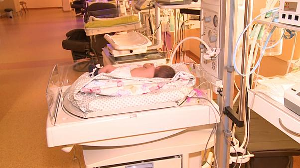 Bebé nasce embriagada na Lituânia