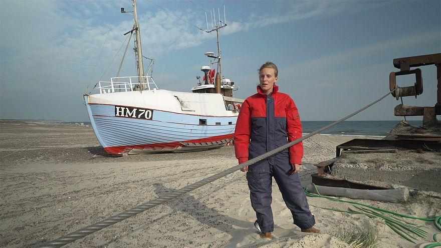 Hogyan próbálnak az árral szembe úszni a halászok Dániában?