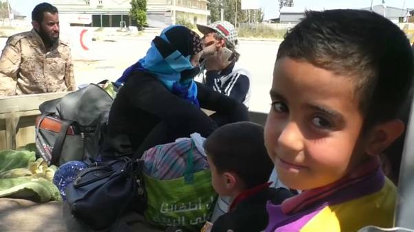إجلاء مدنيين من بلدة السواني جنوب غربي طرابلس بسبب التعرض إلى القصف