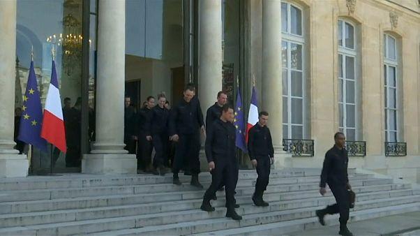 Francia homenajea a los bomberos de Notre Dame