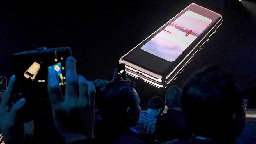 هاتف غالاكسي فولد في معرض سان فرنسيسكو للأجهزة الالكترونية يوم أمس