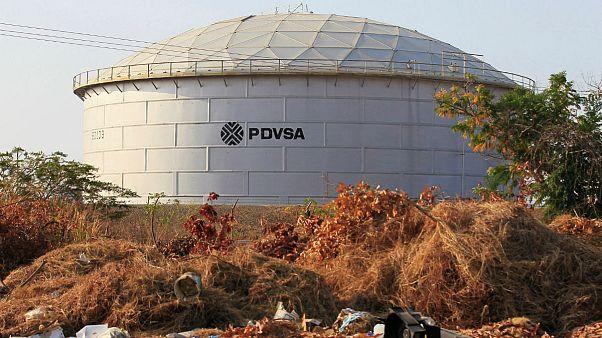 ونزوئلا با فروش نفت به کمک روسیه تحریمهای آمریکا را دور میزند