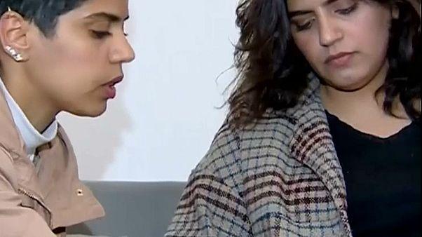 """شقيقتان سعوديتان هاربتان: """"نريد أن نجرب كل شيء يمكن أن تجربه النساء في العالم""""!"""