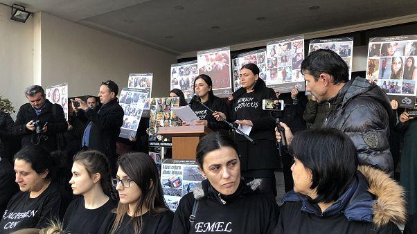 'Çorlu tren katliamı aileleri' Çorlu Adliyesi önünde adalet nöbetinde