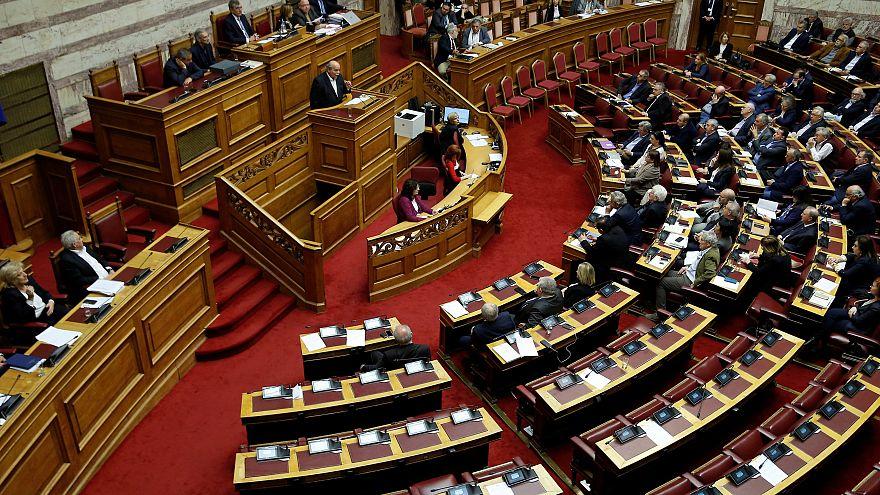 Βουλή: Άρση ασυλίας για Λοβέρδο, Σαλμά