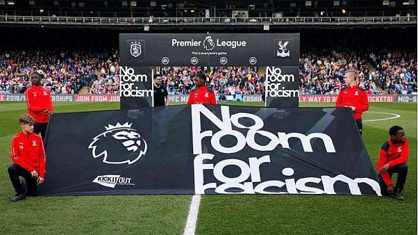 بسبب العنصرية لاعبون في الدوري الانجليزي يقاطعون وسائل التواصل الاجتماعي