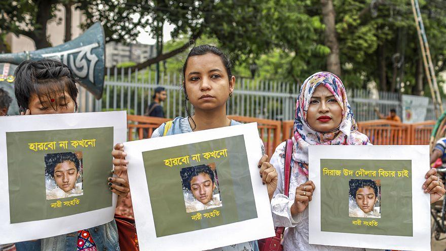 Bangladeş'te katledilen Nusrat'ın cenazesi