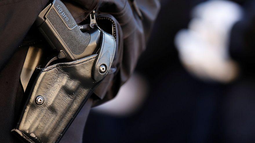 Les suicides de policiers français, reflet d'un malaise européen