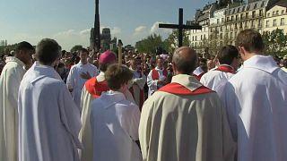 Vía Crucis en Notre Dame