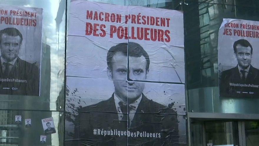 ویدئو؛ اعتراض فعالان محیط زیست در پاریس