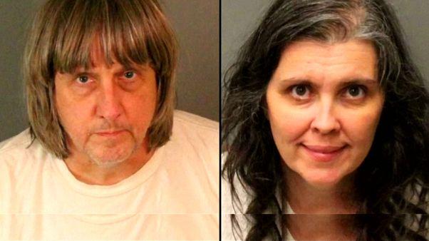 25 év börtönbüntetést kaptak a gyermekeiket kínzó amerikai szülők