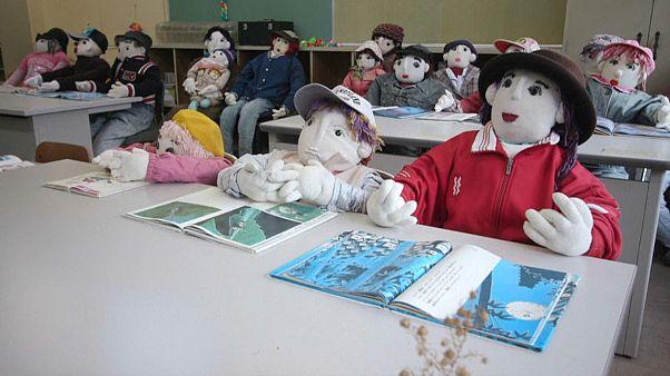 Japon sanatçı Nagoro köyünün azalan nüfusunu oyuncak bebeklerle tamamlıyor