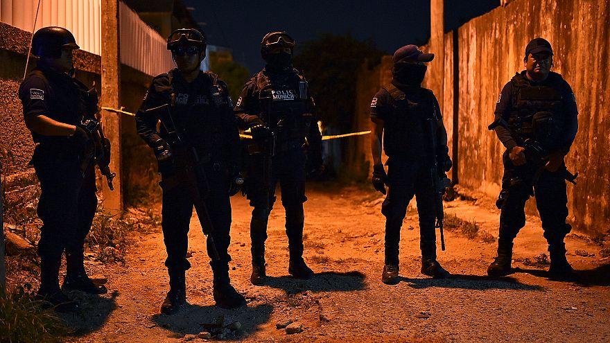 Meksika'da bir aile kutlamasında ateş açıldı, biri çocuk yedi kişi öldü