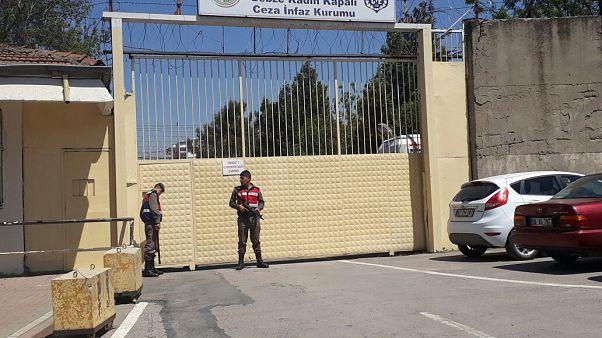 Gebze Cezaevi önündeki eylemlere coplu müdahale hakkında valilik soruşturma başlattı