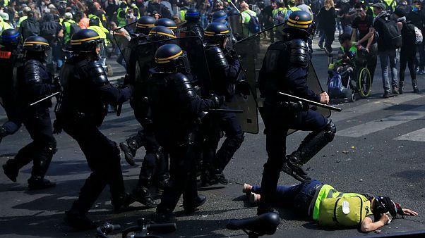 پاریس پس از آتش نوتردام در آتش اعتراض جلیقهزردها