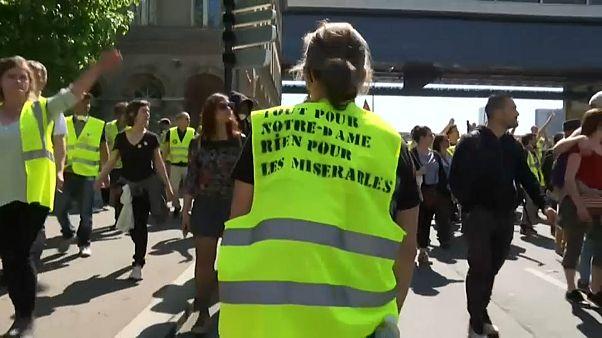 """Gelbwesten: """"Alles für Notre-Dame. Nichts für die Armseligen"""""""