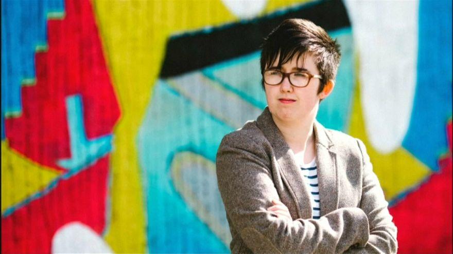 Morte de jornalista leva políticos a apelar à paz na Irlanda do Norte