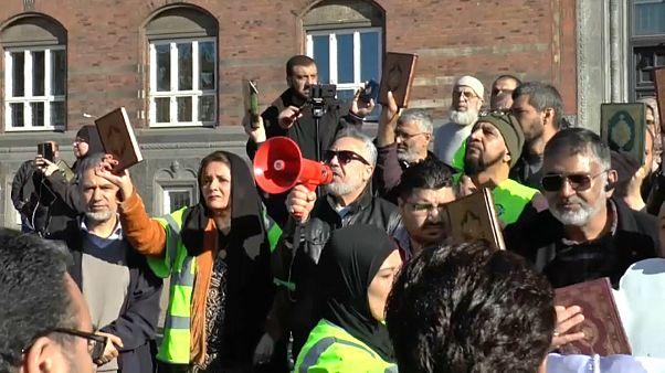 Danimarka'da Müslümanlar Kur'an yakma eylemini protesto etti