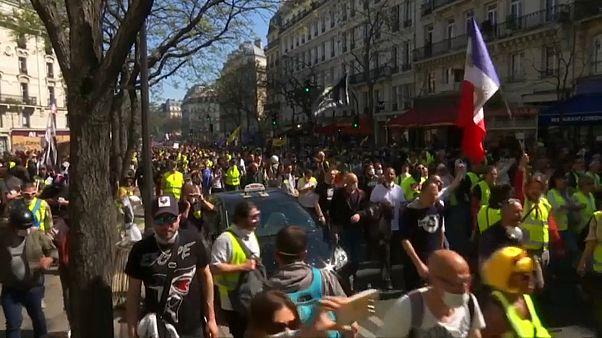 """Sábado número 23 para los """"chalecos amarillos"""" en Francia"""