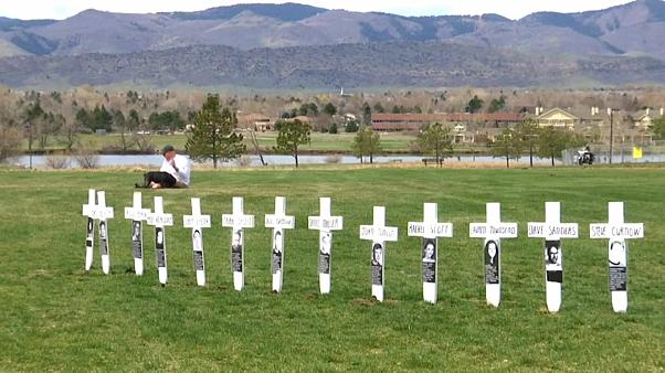 Remembrance service for those killed in Columbine High School massacre