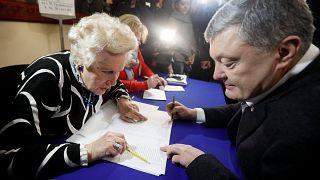 Ucranianos já votam para escolher quem irá governar o país