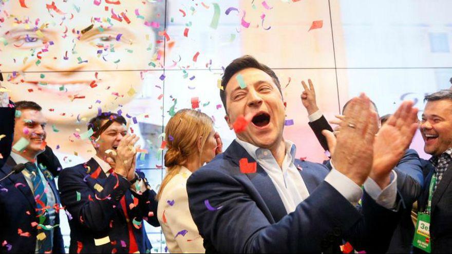 دور دوم انتخابات اوکراین؛ بازیگر به نقش واقعی رئیس جمهور نزدیک میشود