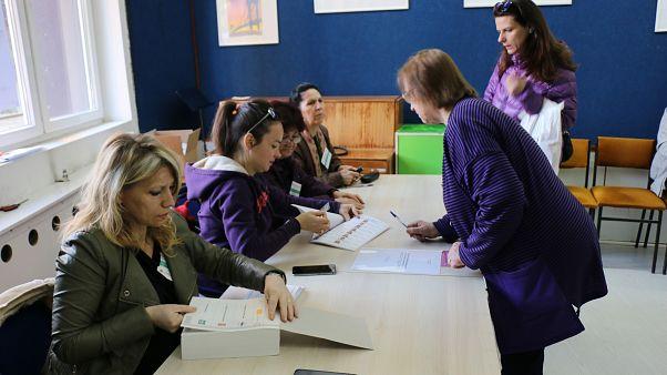 Kuzey Makedonya'da cumhurbaşkanı seçimi için oy kullanma işlemi başladı